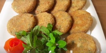Tasty Aloo Tikki Recipe | Potato Cutlets | Aloo Snacks (Cooking with Asifa)