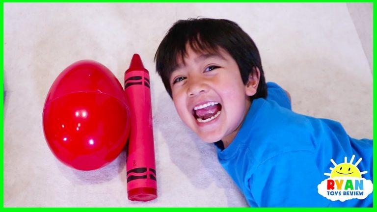 Ryan Pretend Play and Learn Colors with Giant Crayons Egg Surprise Toys! 1