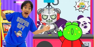 Robo Combo Surprise Ryan and Gus in the Giant Crank Machine! 15