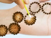 New stylish Cotton bud mehndi design - Latest Easy & Simple Mehendi design for front hands 12