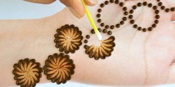 New stylish Cotton bud mehndi design - Latest Easy & Simple Mehendi design for front hands 20