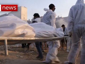 Makeshift crematoria set up in India as bodies of COVID-19 victims pile up