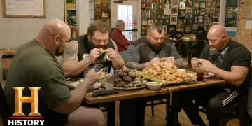 The Strongest Man in History: Chicken Wing Eating Contest | Exclusive | History 7
