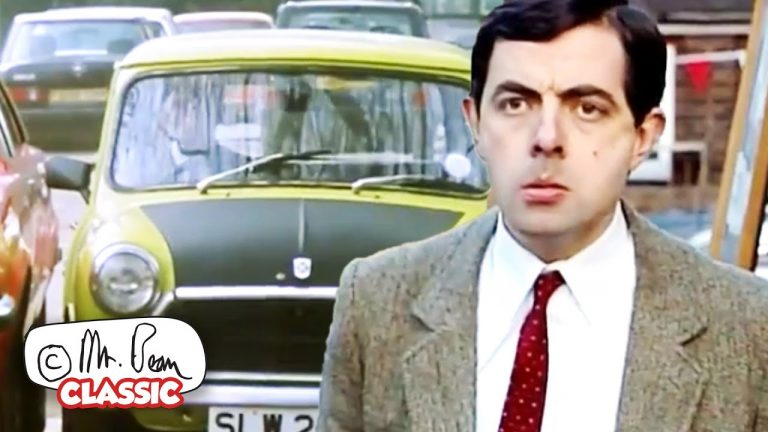 How To PARK in a SMALL Lot With BEAN! | Mr Bean Funny Clips | Classic Mr Bean