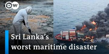 Sinking chemicals cargo ship turns into environmental disaster for Sri Lanka | DW News