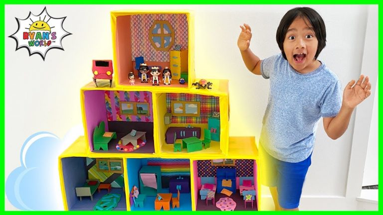 Ryan Pretend Play with Giant Doll House Family!! 1
