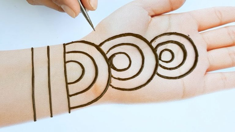 Easy trick mehndi design for front hands - Beautiful and simple mehndi design 2020 1