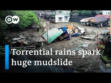 Deadly mudslide in Japan kills 2 and leaves 20 missing | DW News