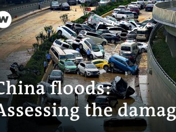 China floods: Dozens dead and thousands displaced in Henan | DW News