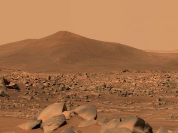 NASA's Mars Perseverance rover snaps shots of unique rock formation in 'ancient lakebed' 16