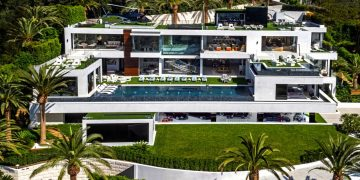 America's Most Expensive Megamansion Gets $100 Million Price Cut 22