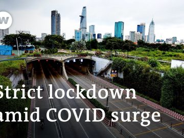 Vietnam on lockdown as COVID cases soar with 0.4% vaccinated | DW News