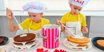 Vlad and Niki Cooking and playing with Mom - Funny stories for children 15