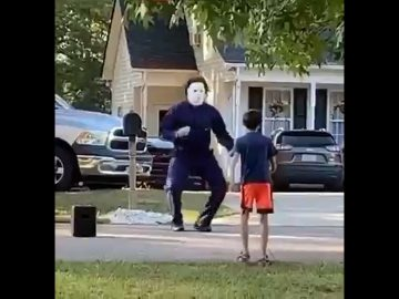 Micheal Myers just be vibin! 6