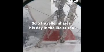 Solo Traveller Shares His Daily Routine At Sea 17