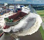 Ship Launch | 10 Awesome Waves, FAILS and CLOSE CALLS 3