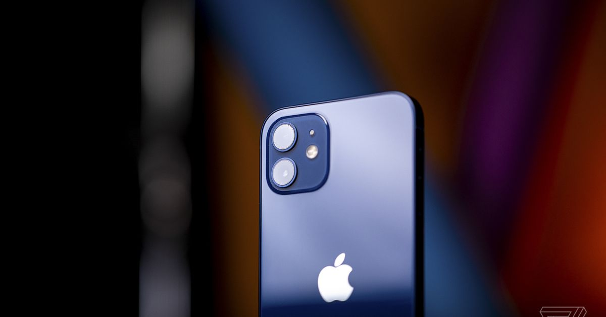 The iPhone 13's rumored satellite link sounds like it's just for emergencies 3